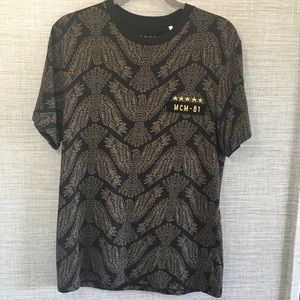 Guess Eagle Printed Black Short Sleeve Top M